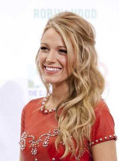 Perfect Half Up Half Down Wedding Hairstyles Trends no 124