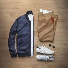 WEBSTA @ thepacman82 - Monday…no complaints #MRPORTERontheroadT-Shirt: @mrporterlive @sunspelclothing Superfine Cotton Crew-NeckSunglasses: @rayban Round Metal FoldingBomber: @norseprojects Ryan RipstopChinos: @jcrew 484 Essential ChinoShoes: @adidasoriginals Stan SmithWallet: @miansai