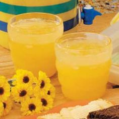 Orange Lemonade - wonderful thirst quencher for picnics or parties!