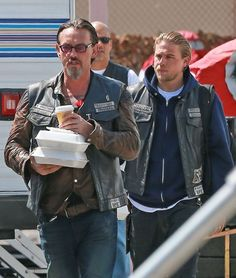 Charlie Hunnam Photos - Scenes from the 'Sons of Anarchy' Set - Zimbio
