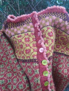 Detaljer fra min Wiola kofta - Lilly is Love Fair Isle Knitting Patterns, Fair Isle Pattern, Knit Patterns, Crochet For Kids, Knit Crochet, Norwegian Knitting, Textile Design, Bunt, Knitwear
