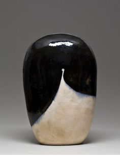 Jun Kaneko Untitled, 2007 Glazed ceramics 24 3/4 x 16 1/2 x 11 1/4 in.