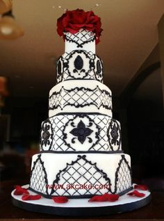 Indescribable Your Wedding Cakes Ideas. Exhilarating Your Wedding Cakes Ideas. Victorian Gothic Wedding, Gothic Wedding Cake, Gothic Cake, Steampunk Wedding, Beautiful Wedding Cakes, Beautiful Cakes, Gothic Steampunk, Amazing Cakes, October Wedding
