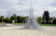 Licht Piramide overdag - Rotonde - rotondekunst.eu Natascha Waeyen  www.nataschawaeyen.nl
