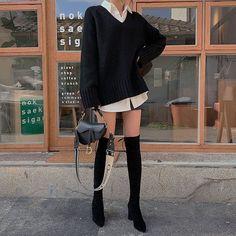 Korean Girl Fashion, Korean Street Fashion, Asian Fashion, Look Fashion, Fashion Outfits, Winter Fashion, Fashion Skirts, 70s Fashion, French Fashion