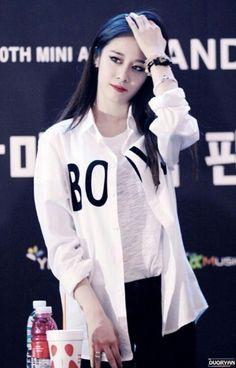 T-ARA Park JiYeon 141015 : 잔망 열매 먹고 팬사인회 중인 '티아라' 지연 : 네이버 블로그