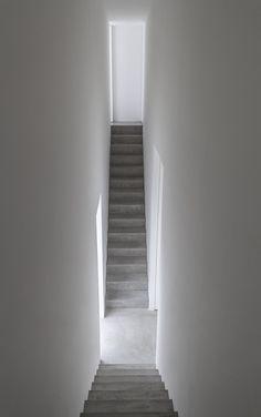 Shinichi Ogawa & Associates - Cube house, Kanagawa 2009. Photos (C) Jonathan Savoie.