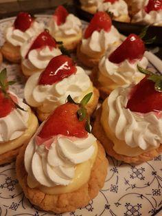 Food Network Recipes, Waffles, Biscuits, Cheesecake, Deserts, Cookies, Breakfast, Sweet Stuff, Christmas