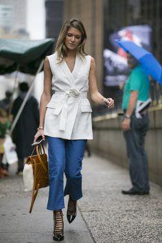 Galeria de Fotos Jeans, branco total e azul: o street style da semana de moda de NY // Foto 10 // Notícias // FFW