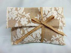 Μπομπονιέρα γάμου οικονομική φάκελος λινός με κορδέλα γκρο Burlap, Reusable Tote Bags, Gift Wrapping, Gifts, Gift Wrapping Paper, Presents, Hessian Fabric, Wrapping Gifts, Favors