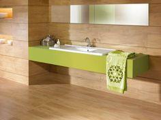 carrelage salle de bain imitation bois combiné avec un meuble vasque en vert anis