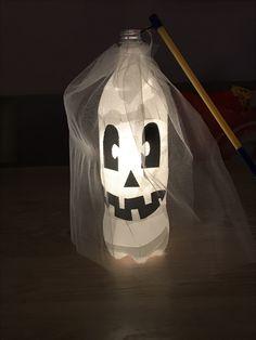 Lampion gemaakt van een plastic fles