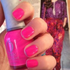 Purple blouse required, neon and nude trend incoming! #nailart #neon #orly #feelthevibe