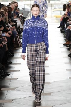 vintage inspired blue white fair isle zip front sweater with full pleated plaid pants / Tory Burch Autumn 2017 #BoFW