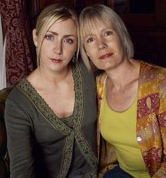 'Midsomer Murders' - Jane Wymark (above right) plays Barnaby's patient wife Joyce, who occassionally finds herself unwittingly near the scene of a crime. Laura Howard (above left) plays Barnaby's daughter Cully, an aspiring actress. Troy, Laura Howard, English Drama, Itv Shows, Midsomer Murders, Tv Detectives, Detective Series, Bbc Drama, Bbc Tv