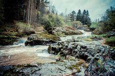Kuttilan koski Vaskiolla on kaunis paikka ihastella joki- ja koskimaisemaa. Koskikohdassa vesi näyttää virtaavan läpi kallioiden ja on oikein näyttävän näköinen! Kosken kallioilla on mukava kävellä. http://www.naejakoe.fi/luontojaulkoilu/kuttilan-koski-vaskio/ #Salo #VisitSalo #VisitFinland #Nähtävyydet #Sightseeing #Matkailu #Retkeily #Seikkailu #Adventure #VisitSalo #Loma #Pyöräily #Ulkoilu #koski #joki
