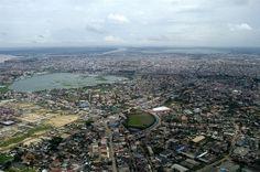 プノンペンの航空写真/こんなキレイになかなか撮れないのだけど、例えばの参考として。このくらいの引きの写真があると、カンボジアを紹介するimgとして普遍性があって使いやすい気がします。