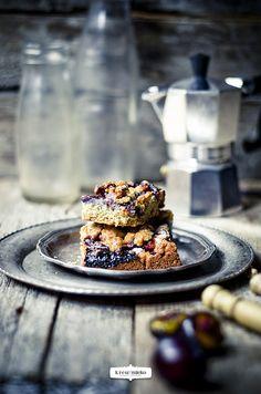 {Cake with Plums and Cranberries} placek ze śliwkami i borówkami | Krew i mleko - kuchnia i fotografia