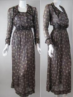 Vintage Inspiration : Edwardian Day Dress, Purple Cotton with Amoeba Dot Print and Black Lace Trim