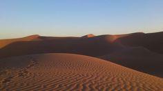Wüstentrekking im Erg Chebbi im Osten Marokkos Mountain Range, Morocco, Hiking, Nature, Viajes