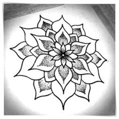 40 Beautiful Mandala Drawing Ideas & Inspiration · Brighter Craft 40 illustrated mandala drawing ideas and inspiration. Learn how you can draw mandalas step by step. This tutorial is perfect for all art enthusiasts. Mandala Design, Mandala Art, Easy Mandala Drawing, Easy Flower Drawings, Mandalas Drawing, Flower Mandala, Easy Drawings, Tattoo Drawings, Easy To Draw Flowers
