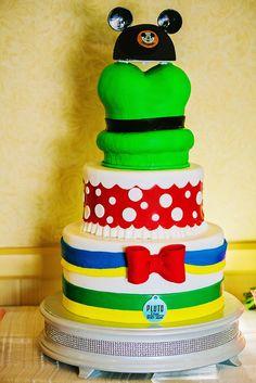 Wedding Cake Wednesday: Disneyland Characters for the fun, playful couple #Disney #Wedding #Cake #Disneyland