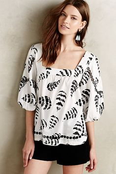 Anthropologie EU Penna Peasant Top. Sam & Lavi is the eponymous label of partners who envisioned a contemporary lifestyle brand that was vibrant, playful and easygoing. Their beyond-basic tops are marked by a chic, effortless aesthetic. Case in point: this versatile monochorme peasant top.