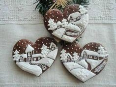 These Lebkuchen (gingerbread) cookie hearts are small works of art Christmas Gingerbread, Christmas Sweets, Noel Christmas, Christmas Goodies, Christmas Baking, Gingerbread Cookies, Christmas Cakes, Christmas Hearts, Gingerbread Houses
