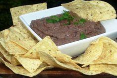 Black Bean Dip or Dip de Frijoles Negros My Colombian Recipes, Colombian Food, Black Bean Dip, Black Beans, A Food, Food And Drink, Appetizer Dips, Appetizer Recipes, Dip Recipes