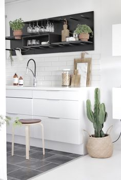 Bengtgarden: MORE BLACK IN THE KITCHEN