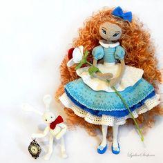 Alice amigurumi doll. (Inspiration).
