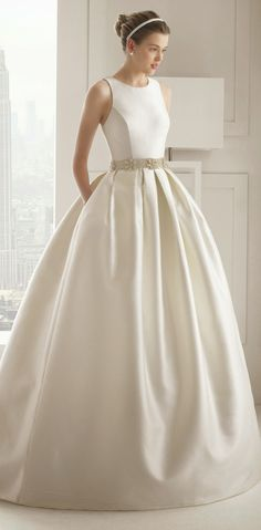 rosa-clara-2015-wedding-dresses-81149.jpg (660×1341)
