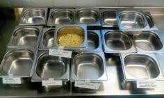Juvakodin keittiön dieetit  makaronilaatikkopäivänä🙈🙈🙈!  Perusmakaronilaatikko on laktoositonta!