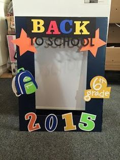 Kricut Kreations: Back to School Photo Frame Prop - 2015 My Projects - First Day Of School Pictures, First Day Of School Activities, First Day School, Kindergarten First Day, School Photos, Kindergarten Graduation, Back To School Night, Back To School Party, Back To School Crafts