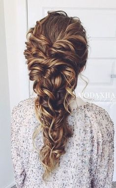 Long Hairstyle Ideas for Wedding Prom - Deer Pearl Flowers / http://www.deerpearlflowers.com/wedding-hairstyle-inspiration/long-hairstyle-ideas-for-wedding-prom/
