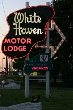 evrtstudio: White Haven Motor Lodge