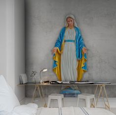 Hey, bekijk deze mural van Rebel Walls, Virgin Mary, concrete! #rebelwalls #behang #mural