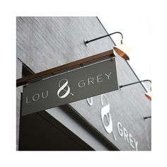 Step right up, come on in. #louandgreychicago  #rg via @truegracephotography