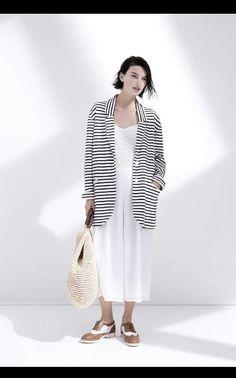 Ispirazione marinière per il blazer a righe stefanel .. #stefanel #stefanelvigevano #look #moda #trendy #shopping #negozio #shop #woman #donna #newcollection #fashion #giacca #riga #marinaretto