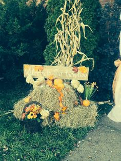 Fall wedding decorating