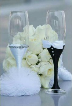 Painted Chandelier Wedding Flutes Bridal Party Gles Hand Champagne Groom Bride Flute Ideas Pinterest