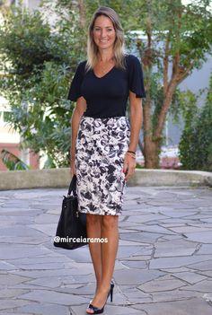 Look de trabalho - look do dia - look corporativo - moda no trabalho - work outfit - office outfit -  spring outfit - look executiva - look de verão  - summer outfit - saia lápis estampado - black nas white - preto e branco - saia  - peep toe