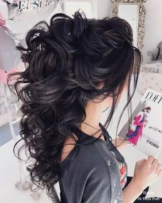 cool 54 Gorgeous Wedding Hairstyles Ideas For You http://lovellywedding.com/2018/03/22/54-gorgeous-wedding-hairstyles-ideas/
