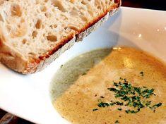 Per Morbergs trattkantarellsoppa (kock Per Morberg) Veggie Soup, Vegetarian Soup, Vegetarian Recipes, Soup Recipes, Dessert Recipes, Desserts, Swedish Recipes, Cornbread, Stuffed Mushrooms