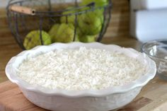 Impossible Coconut Custard Pie Super easy, so delicious and always a favorite. Creamy Impossible Coconut Custard pie creates its own crust and takes just a few minutes to prepare. Coconut Banana Bread, Coconut Custard Pie, Coconut Muffins, Coconut Desserts, Coconut Recipes, Delicious Desserts, Cream Pie Recipes, Custard Recipes, Grateful Prayer