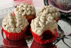 These would be perfect for a zombie cupcake party. Braaaaiiins