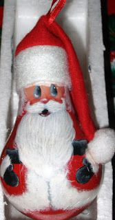 Share this post. In our House Christmas – more than any other time of the year – we MAKE STUFF! Decorations are always top of the list. We love our Christmas Tree and decorating the house and Christmas Decorations just make the best gifts – especially Ornament Crafts, Christmas Projects, Christmas Crafts, Christmas Decorations, Christmas Christmas, Recycled Light Bulbs, Painted Light Bulbs, Light Bulb Art, Light Bulb Crafts