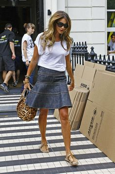 Elle MacPherson - Elle MacPherson Moves From Her Home