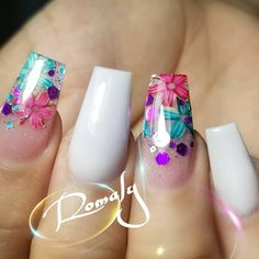 Beautiful nails by Ugly Duckling Nails page is dedicated to promoting quality, inspirational nails created by International Nail Artists Fabulous Nails, Perfect Nails, Nagellack Design, Nailart, Encapsulated Nails, Sassy Nails, Fire Nails, Best Acrylic Nails, Dream Nails
