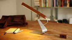 handmade LED desklight by ZakenMaker. Oak.